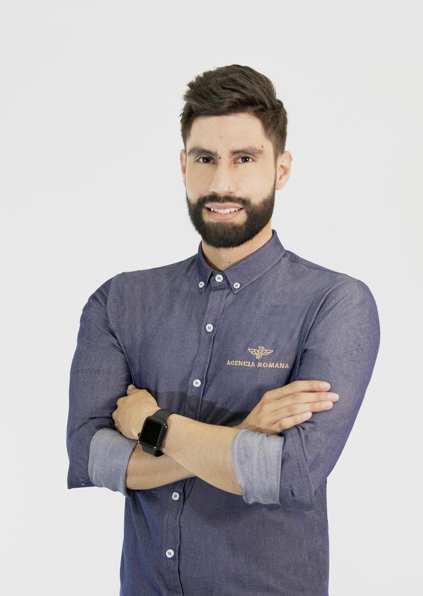 Juan-Zuluaga-Social-media-2
